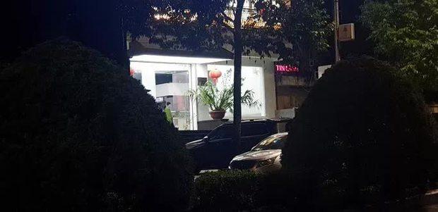 Nóng: Nhóm người tạm trú tại Thẩm mỹ viện Minh Châu Asian Luxury hỗn chiến, 2 người nhập viện - Ảnh 2.