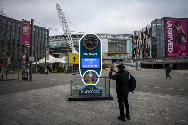 Đây là sân vận động đặc biệt nhất Euro 2020/2021: Nơi duy nhất của châu Âu cho phép gần 100% khán giả vào sân - Ảnh 2.