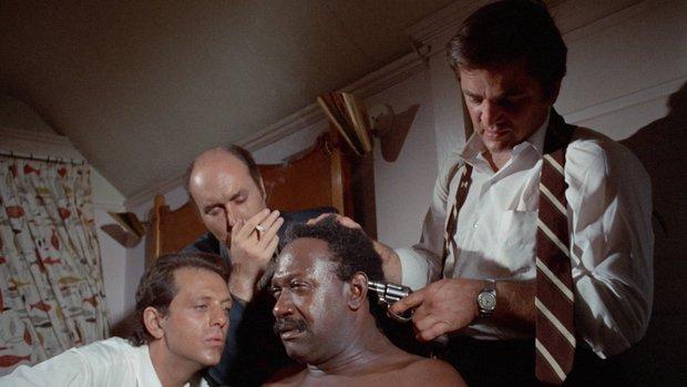 Diễn viên Hollywood dính bệnh tình dục vì cảnh nóng thật 100%, người trong cuộc lại xử lý siêu khó hiểu - Ảnh 1.
