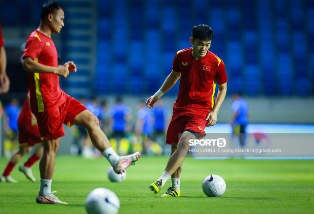 Sức nóng quá lớn, trận đấu Việt Nam - Malaysia hút lượng người xem cao không tưởng, ăn đứt trận gặp Indonesia - Ảnh 1.