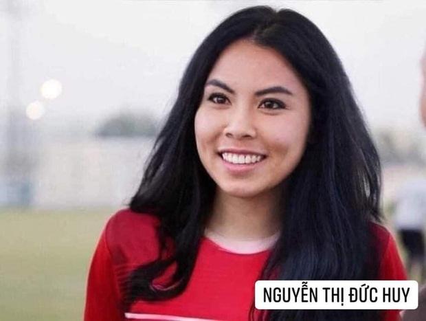 Hình ảnh các nữ cầu thủ ĐT Việt Nam khuấy đảo MXH, nhan sắc thầy Park gây bất ngờ nhất - Ảnh 11.