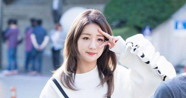 Điểm danh loạt idol Kpop nghiện chạy bo: Baekhyun, Bomi, V BTS... đều đủ cả - Ảnh 11.