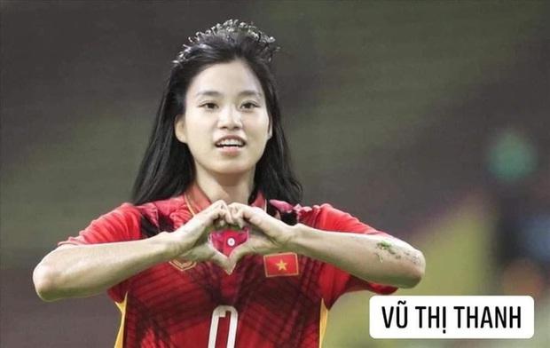 Hình ảnh các nữ cầu thủ ĐT Việt Nam khuấy đảo MXH, nhan sắc thầy Park gây bất ngờ nhất - Ảnh 13.