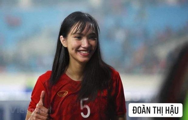 Hình ảnh các nữ cầu thủ ĐT Việt Nam khuấy đảo MXH, nhan sắc thầy Park gây bất ngờ nhất - Ảnh 3.
