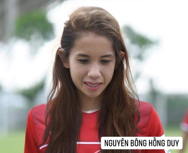 Hình ảnh các nữ cầu thủ ĐT Việt Nam khuấy đảo MXH, nhan sắc thầy Park gây bất ngờ nhất - Ảnh 5.