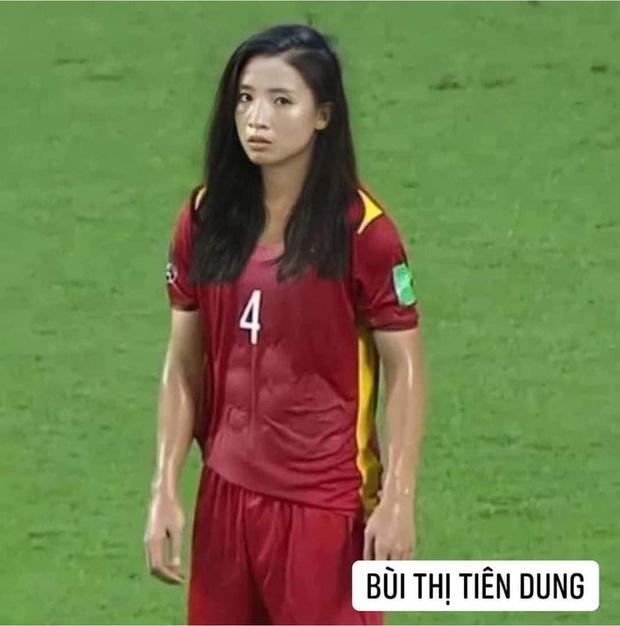 Hình ảnh các nữ cầu thủ ĐT Việt Nam khuấy đảo MXH, nhan sắc thầy Park gây bất ngờ nhất - Ảnh 6.