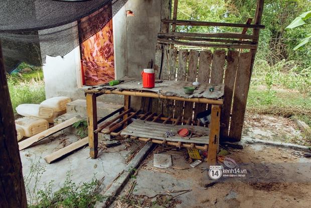 Trực tiếp đến Tiền Giang: Đau lòng khi thấy nhà Hồ Văn Cường bị bỏ hoang, hàng xóm kể lâu rồi không thấy bố mẹ ruột và Phi Nhung về thăm - Ảnh 13.
