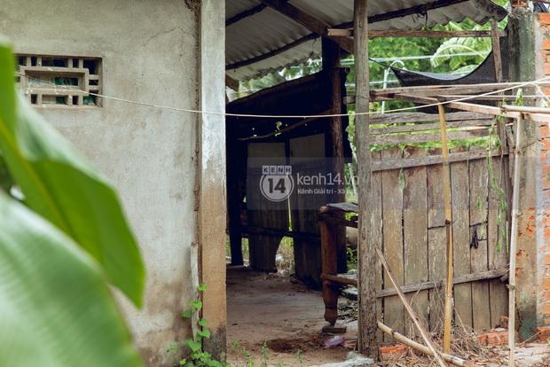 Trực tiếp đến Tiền Giang: Đau lòng khi thấy nhà Hồ Văn Cường bị bỏ hoang, hàng xóm kể lâu rồi không thấy bố mẹ ruột và Phi Nhung về thăm - Ảnh 12.