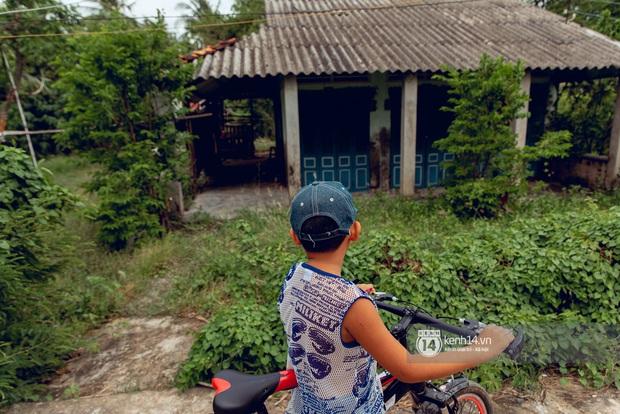 Trực tiếp đến Tiền Giang: Đau lòng khi thấy nhà Hồ Văn Cường bị bỏ hoang, hàng xóm kể lâu rồi không thấy bố mẹ ruột và Phi Nhung về thăm - Ảnh 15.
