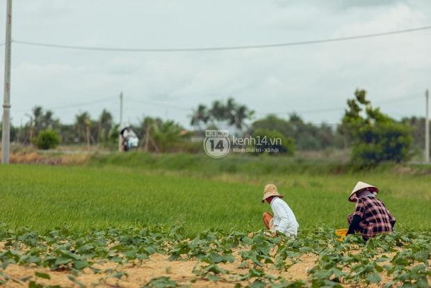 Trực tiếp đến Tiền Giang: Đau lòng khi thấy nhà Hồ Văn Cường bị bỏ hoang, hàng xóm kể lâu rồi không thấy bố mẹ ruột và Phi Nhung về thăm - Ảnh 21.