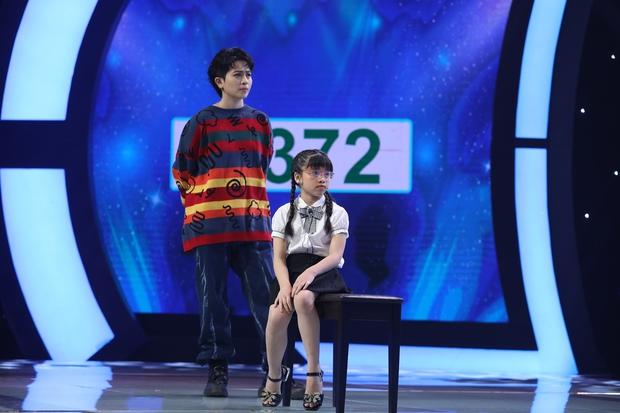 Siêu Tài Năng Nhí: Cô bé 9 tuổi hạ gục phép tính 20 số hàng nghìn trong 25 giây! - Ảnh 3.