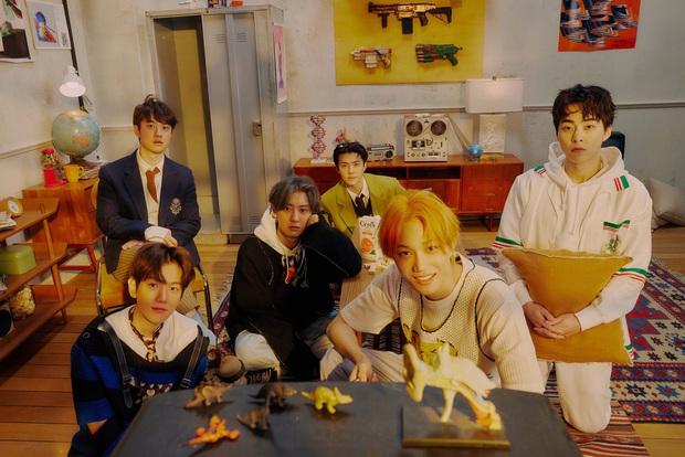 Xôn xao BXH 30 nhóm nhạc nam hot nhất: EXO trở lại đối đầu BTS cực gắt, SHINee và boygroup thế hệ 2 trỗi dậy ngỡ ngàng - Ảnh 3.
