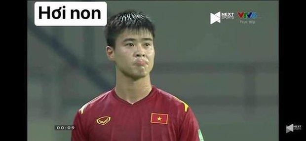 Việt Nam thắng Malaysia, meme cười bể bụng ngập tràn mạng xã hội, biểu cảm của nam cầu thủ đội bạn chiếm spotlight - Ảnh 6.