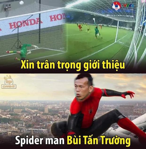 Việt Nam thắng Malaysia, meme cười bể bụng ngập tràn mạng xã hội, biểu cảm của nam cầu thủ đội bạn chiếm spotlight - Ảnh 12.