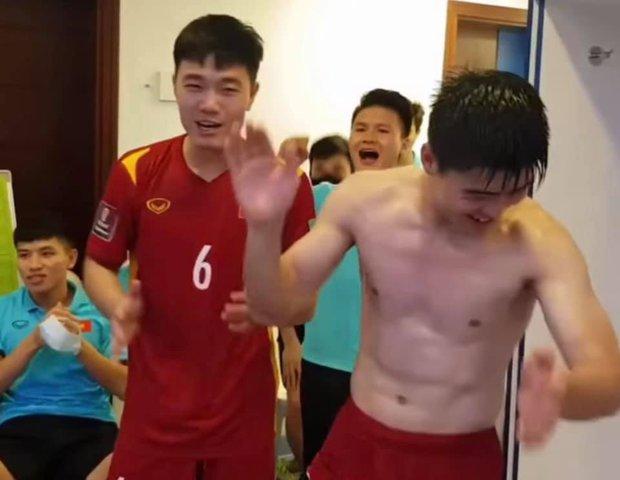 Bị lừa rồi: Đây mới là nội dung chính của đoạn clip tuyển Việt Nam hát mừng chiến thắng trong phòng thay đồ! - Ảnh 4.