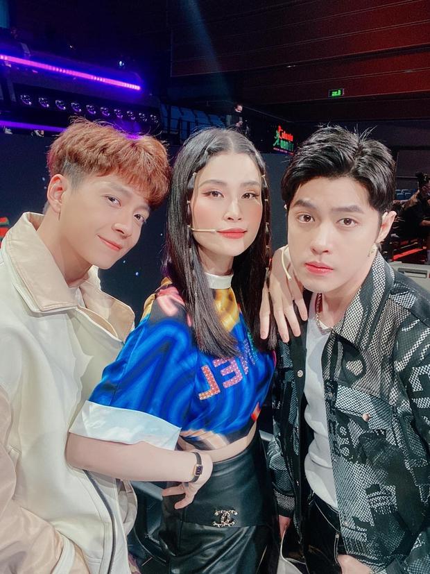 Noo Phước Thịnh tuyên bố Đông Nhi là ca sĩ giàu nhất Vpop, lập tức bị mẹ Winnie cho ăn luôn cái tát yêu - Ảnh 4.