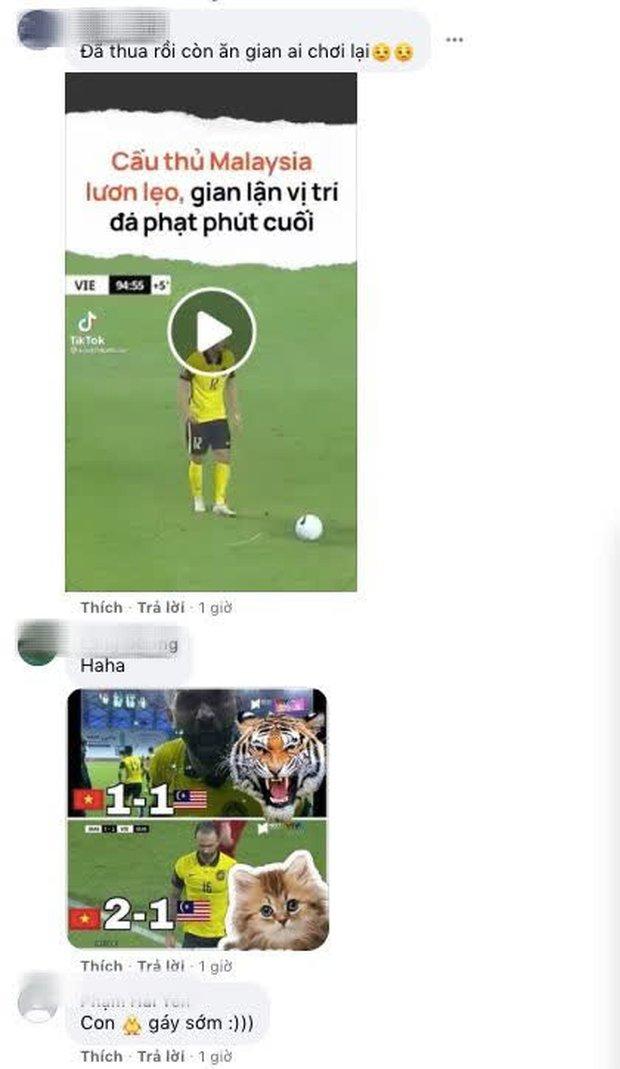 Cổ động viên Việt Nam ồ ạt tấn công Facebook 2 cầu thủ gây ấn tượng nhất của Malaysia - Ảnh 8.