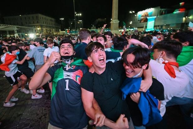 Khai mạc Euro 2020: Dàn trai đẹp Italy phá nát mành lưới Thổ Nhĩ Kỳ - Ảnh 2.