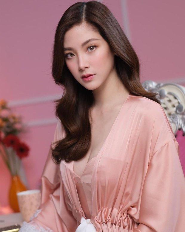 Nữ thần Baifern (Chiếc Lá Bay) khoe ảnh mới nhưng bị chê kém Hương Giang, netizen tranh cãi còn lôi ra cả bằng chứng - Ảnh 10.