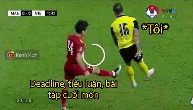 Loạt ảnh chế đội tuyển Việt Nam nở rộ sau trận gặp Malaysia: Duy Mạnh gắt gỏng cũng không hài bằng HLV Park Hang-seo! - Ảnh 1.