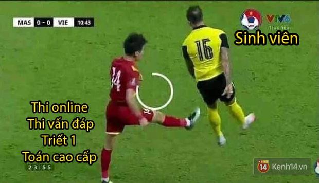 Loạt ảnh chế đội tuyển Việt Nam nở rộ sau trận gặp Malaysia: Duy Mạnh gắt gỏng cũng không hài bằng HLV Park Hang-seo! - Ảnh 2.