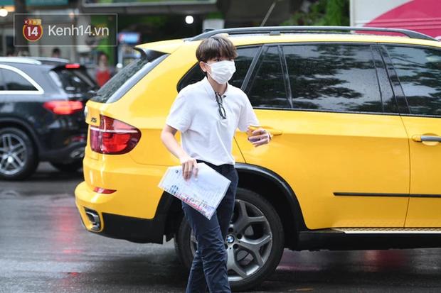 Thí sinh Hà Nội được hộ tống trên xe bạc tỷ đi thi vào lớp 10 - Ảnh 3.