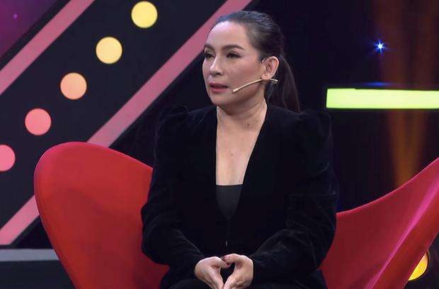"""Hồ Văn Cường từng """"kể xấu"""" mẹ nuôi Phi Nhung trên sóng truyền hình: Mê trai, ăn nhiều, giận lên là mắng - Ảnh 1."""