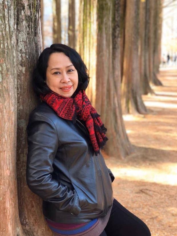 BTV Cẩm Liên qua đời vì ung thư thận, NS Hồng Vân và Lê Giang đau lòng, nghệ sĩ xót xa vì cảnh vắng lặng tại tang lễ - Ảnh 2.