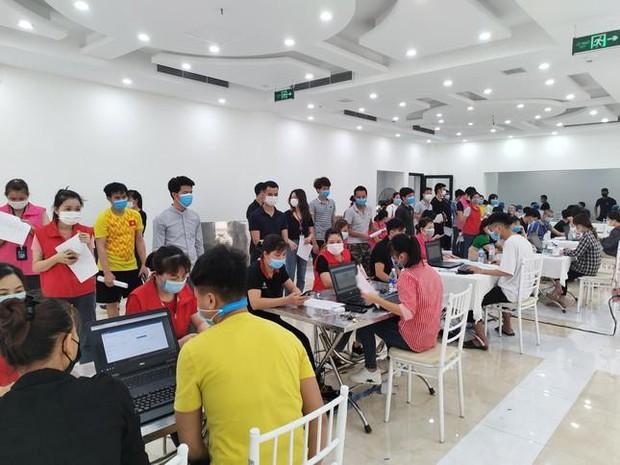 Bắc Ninh gỡ nút thắt cho doanh nghiệp có thêm lao động duy trì sản xuất - Ảnh 1.