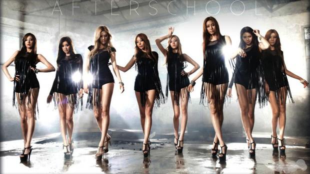 Nhóm nữ idol 12 năm trở lại khiến fan rưng rưng: Nhiệt huyết dù đã U40, có người mang cả bụng bầu lên diễn! - Ảnh 5.