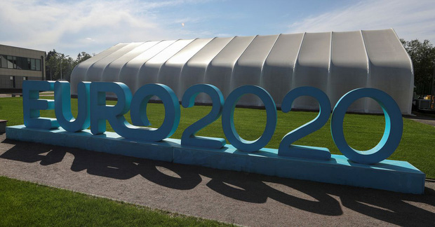 Tổ chức Euro 2020 ở 11 quốc gia trong thời kỳ đại dịch gặp khó khăn gì? - Ảnh 2.