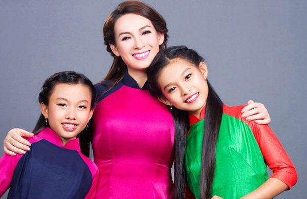 Ngoài Hồ Văn Cường, 3 người con nuôi đang theo đuổi ca hát giống Phi Nhung sống và có sự nghiệp hiện tại ra sao? - Ảnh 9.