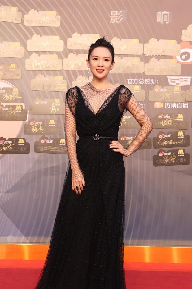 Thảm đỏ Đêm Điện ảnh Weibo: Âu Dương Na Na hoá tiên tử, đè bẹp Trương Quân Ninh già chát cùng dàn mỹ nhân - Ảnh 5.