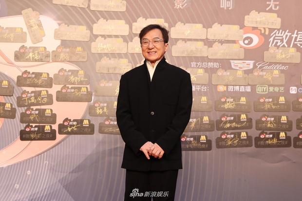 Thảm đỏ Đêm Điện ảnh Weibo: Âu Dương Na Na hoá tiên tử, đè bẹp Trương Quân Ninh già chát cùng dàn mỹ nhân - Ảnh 21.