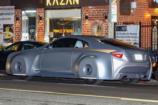 Justin Bieber cuối cùng đã lột xác: Cưỡi siêu xe 7,6 tỷ đi lượn phố cùng bà xã, nhan sắc hoàng tử nhạc Pop trở lại rồi! - Ảnh 6.