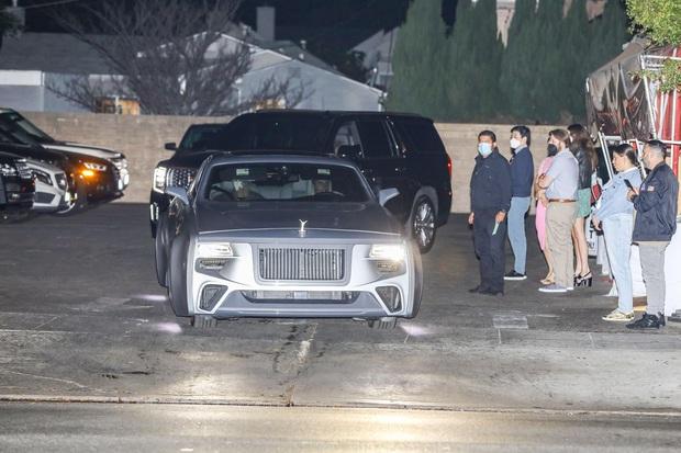 Justin Bieber cuối cùng đã lột xác: Cưỡi siêu xe 7,6 tỷ đi lượn phố cùng bà xã, nhan sắc hoàng tử nhạc Pop trở lại rồi! - Ảnh 7.
