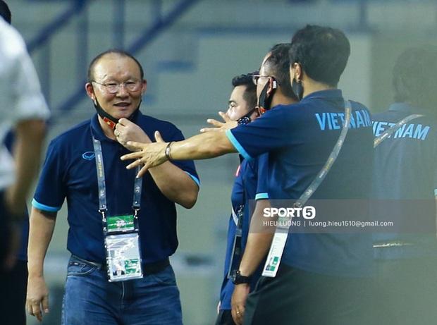 Đêm mất ngủ với fan bóng đá Việt: Vừa hóng tuyển Việt Nam vs UAE, vừa ngóng Ronaldo quẩy tung nóc Euro 2020 - Ảnh 2.