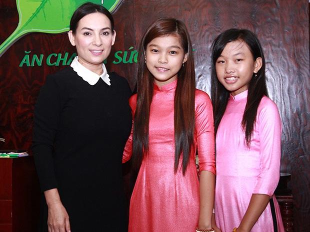 Ngoài Hồ Văn Cường, 3 người con nuôi đang theo đuổi ca hát giống Phi Nhung sống và có sự nghiệp hiện tại ra sao? - Ảnh 5.