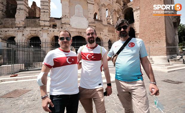 Độc từ nước Ý: Cận cảnh giấy xét nghiệm Covid-19 của fan đến xem khai mạc Euro 2020 - Ảnh 5.