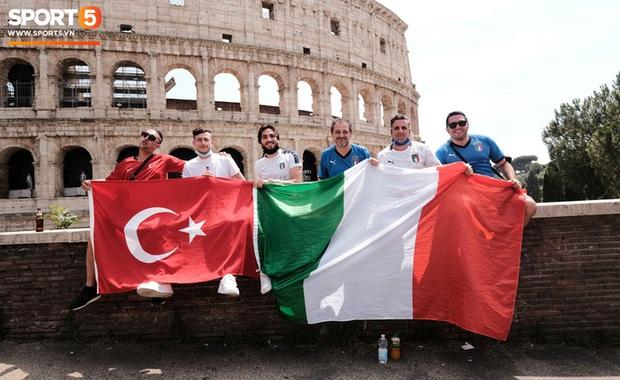 Độc từ nước Ý: Cận cảnh giấy xét nghiệm Covid-19 của fan đến xem khai mạc Euro 2020 - Ảnh 6.
