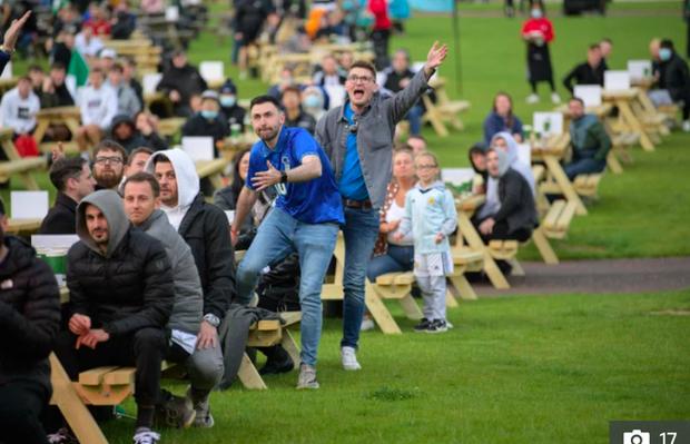Hotgirl tràn ngập fanzone xem trận khai mạc Euro 2020 - Ảnh 10.