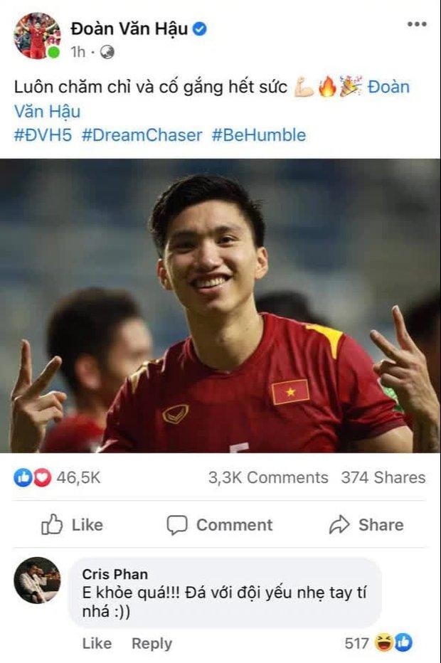 Mừng chiến thắng của đội tuyển Việt Nam phong cách Cris Phan, dạo khắp Facebook tuyển thủ chỉ để cà khịa? - Ảnh 2.