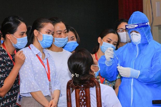 Hơn 1.000 sinh viên ĐH Y khoa Vinh viết đơn tình nguyện tham gia chống dịch - Ảnh 3.