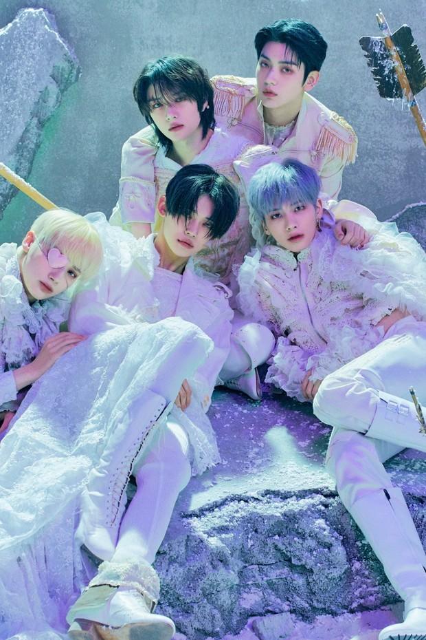 Xôn xao BXH 30 nhóm nhạc nam hot nhất: EXO trở lại đối đầu BTS cực gắt, SHINee và boygroup thế hệ 2 trỗi dậy ngỡ ngàng - Ảnh 8.