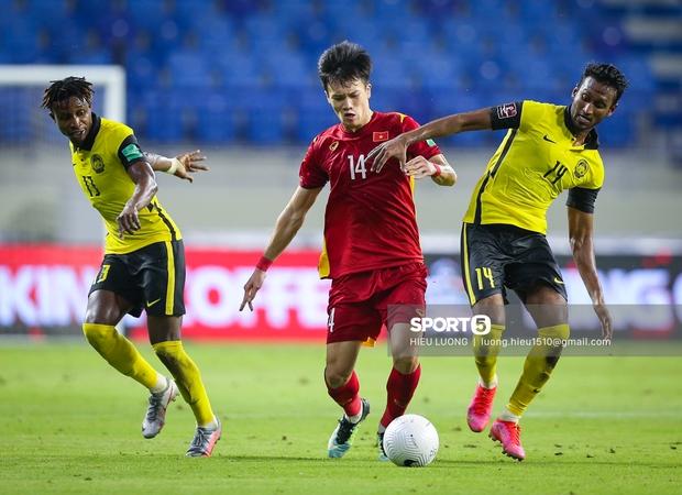Đội tuyển Malaysia có 11 người, dính 6 thẻ vàng và bị loại mất tiêu! - Ảnh 3.