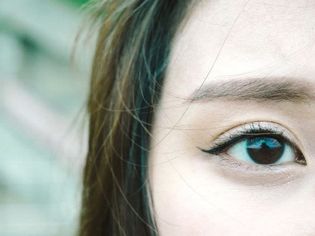 Cứ thấy mỏi mắt là nhỏ thuốc, đây là sai lầm tai hại ảnh hưởng lâu dài tới sức khỏe đôi mắt - Ảnh 3.