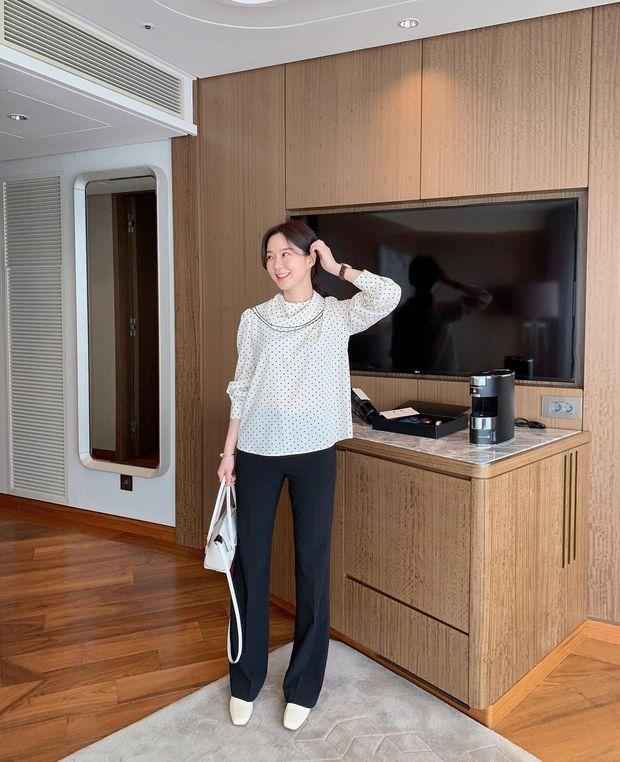 Gái Hàn có 8 cách mix đồ với quần đen, mỗi ngày diện một kiểu đảm bảo không sợ mang tiếng nhạt nhẽo! - Ảnh 22.