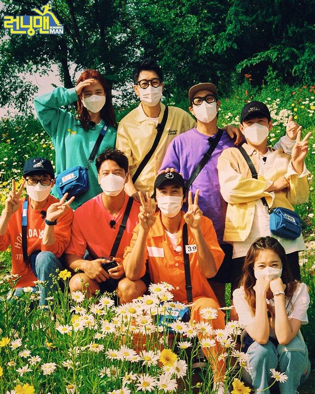 Tâm thư 7 thành viên gửi Lee Kwang Soo trước khi rời chương trình, fan đọc tới đâu khóc tới đó - Ảnh 9.