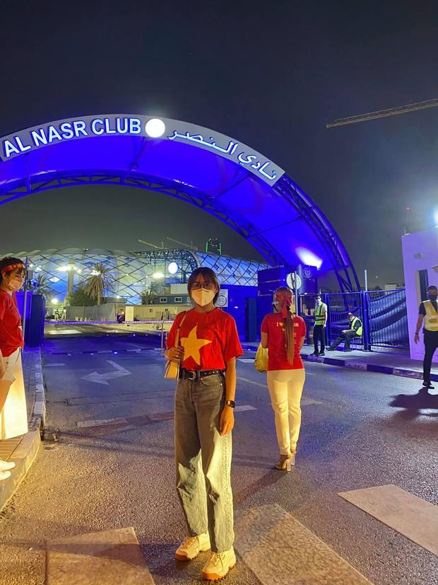 Gái xinh 2k1 kể chuyện đi xem ĐT Việt Nam thi đấu trực tiếp tại UAE: Thủ tục rất lằng nhằng nhưng cực xứng đáng! - Ảnh 3.