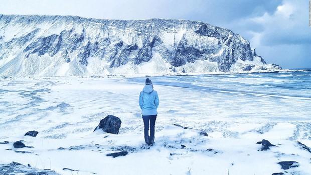 Quá sợ COVID-19, gái xinh chạy một mạch tới Bắc Cực sống cho khỏi bị lây - Ảnh 3.